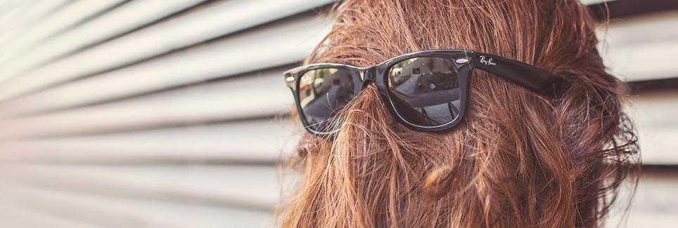 IT_MOM_sunglasses-woman-girl-faceless