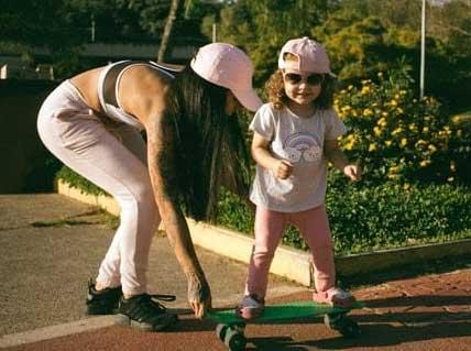 skateboard-girl